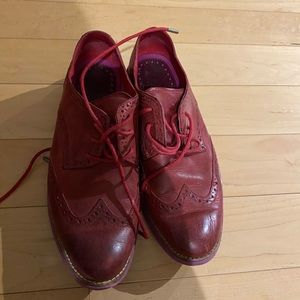 Cole Haan Oxford's red size 8